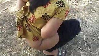 Mona indian aunty pee outdoor