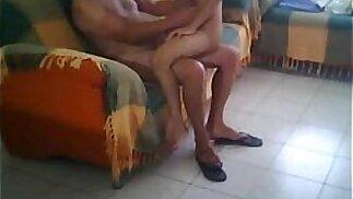 Pai comendo a filha